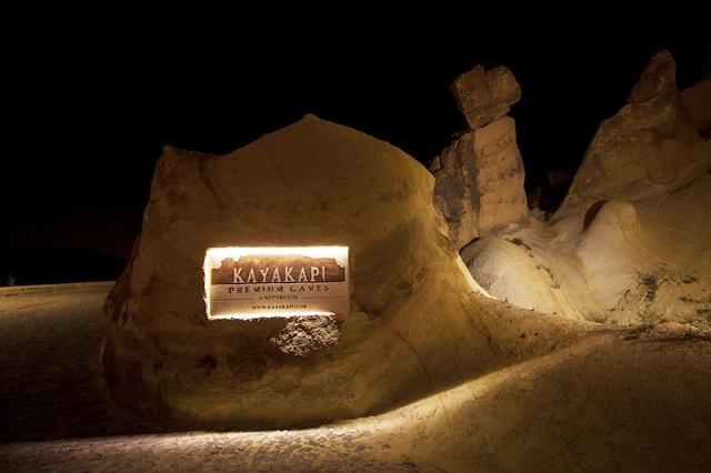 Kayakapi-Premius-Caves